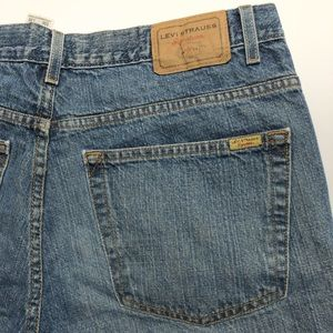 Levi's Signature Medium Wash Denim Jeans, size 37